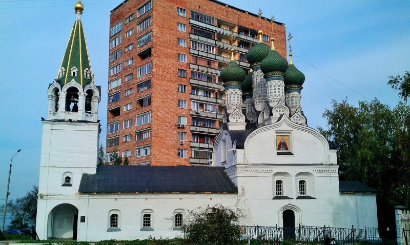 "Pechersky Ascension Monastery and the ""communist"" building"