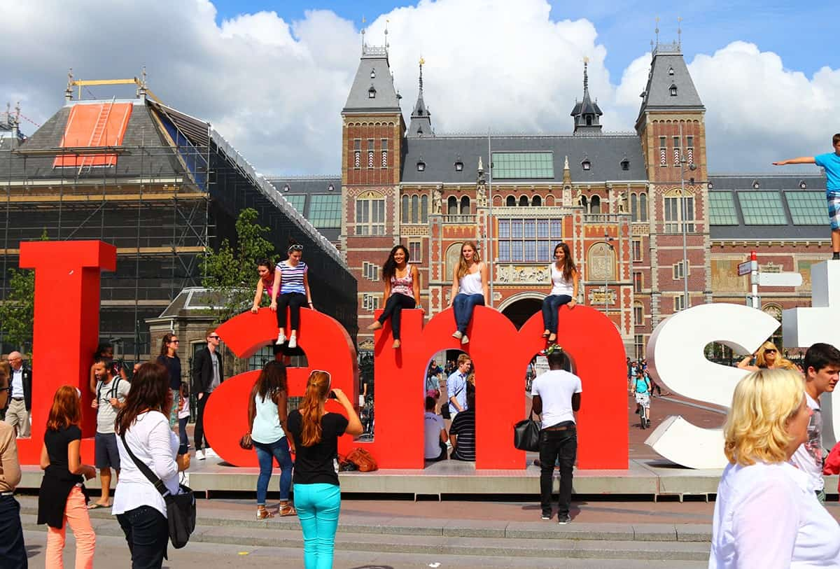 i-am-amsterdam-sign