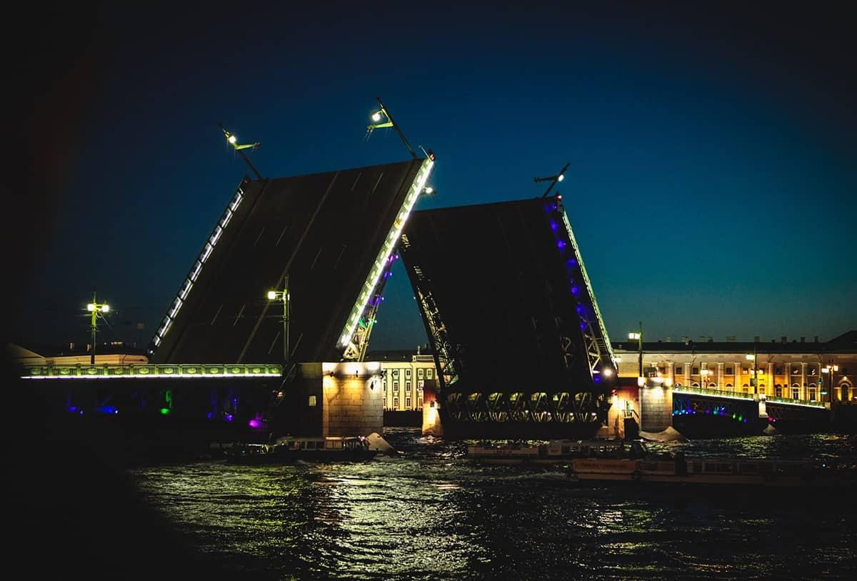 bridge-opening-st-petersburg