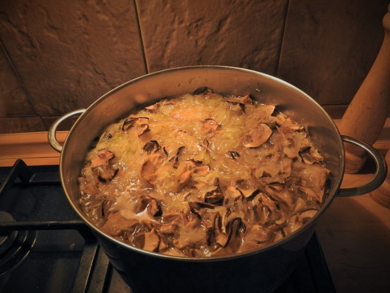 Cabbage soup with mushrooms