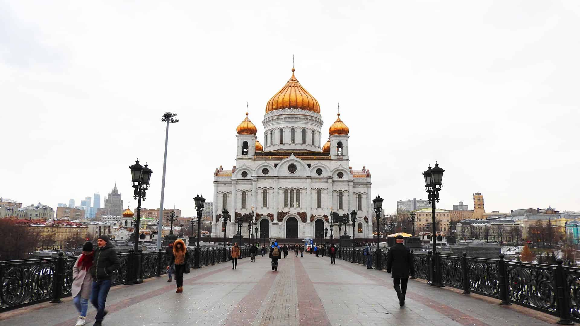 Visit Cathedral-of-Christ-the-Saviour in Moscow