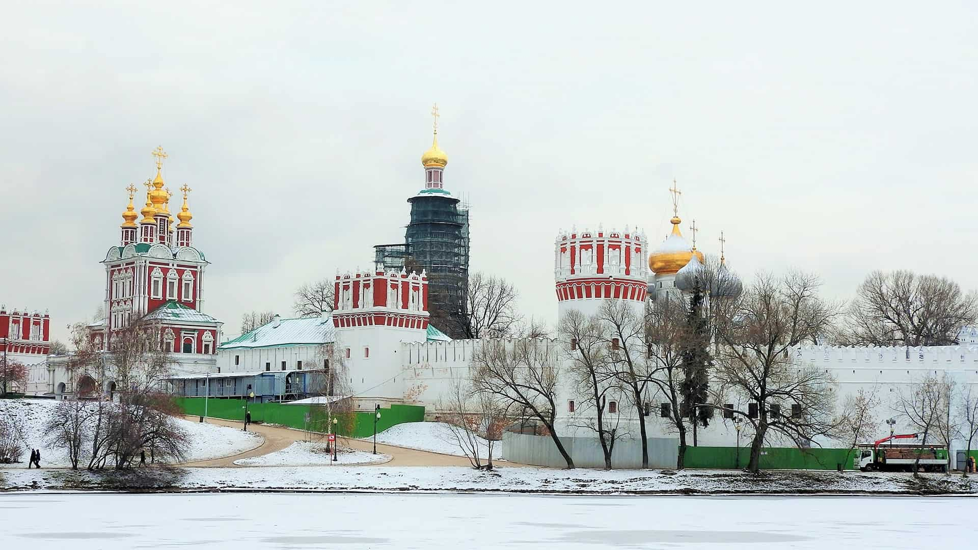 visit-Novodevichy-Convent in Moscow