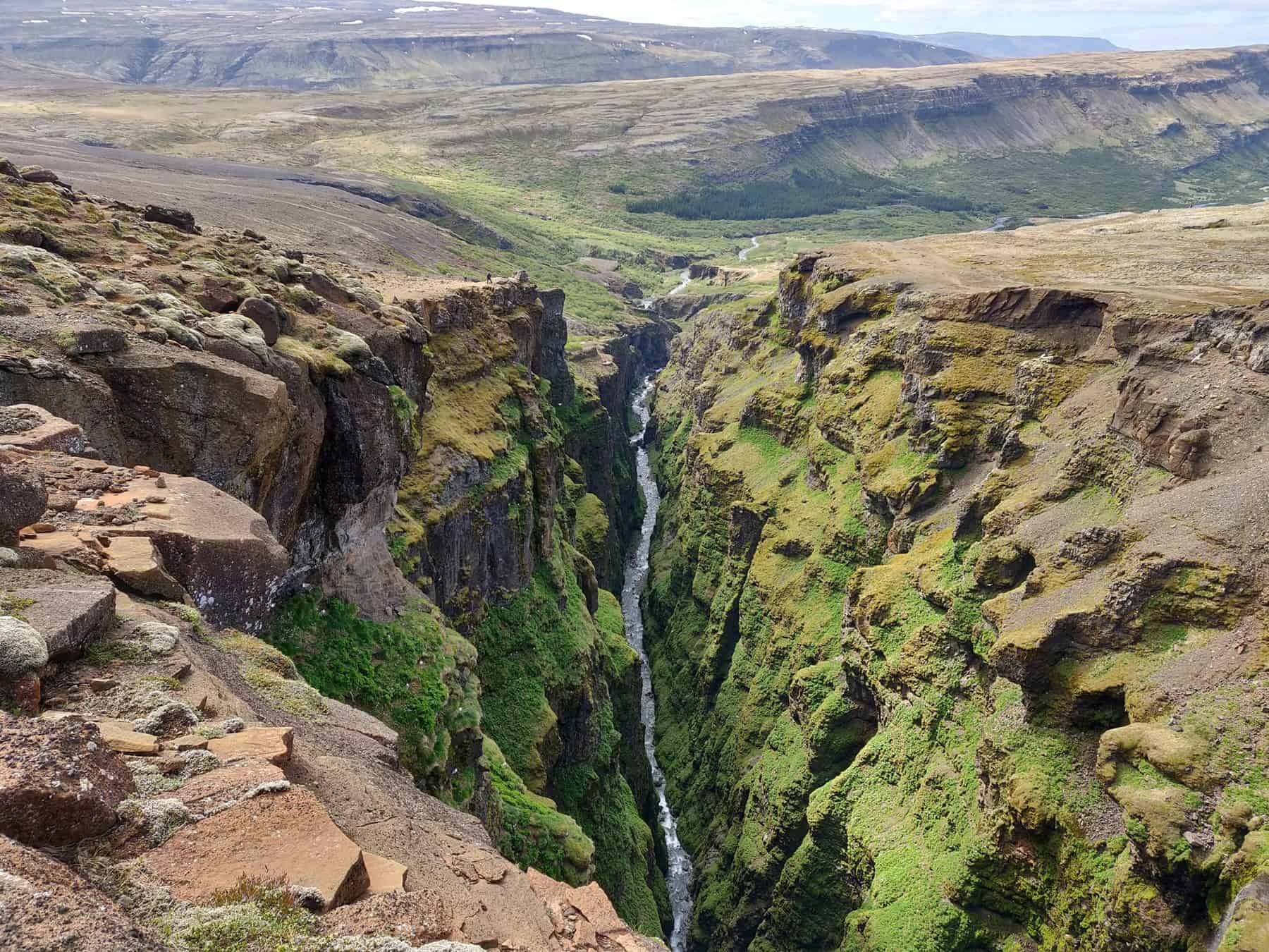 Glymsgljúfur-canyon-under-the-Glymur-waterfall