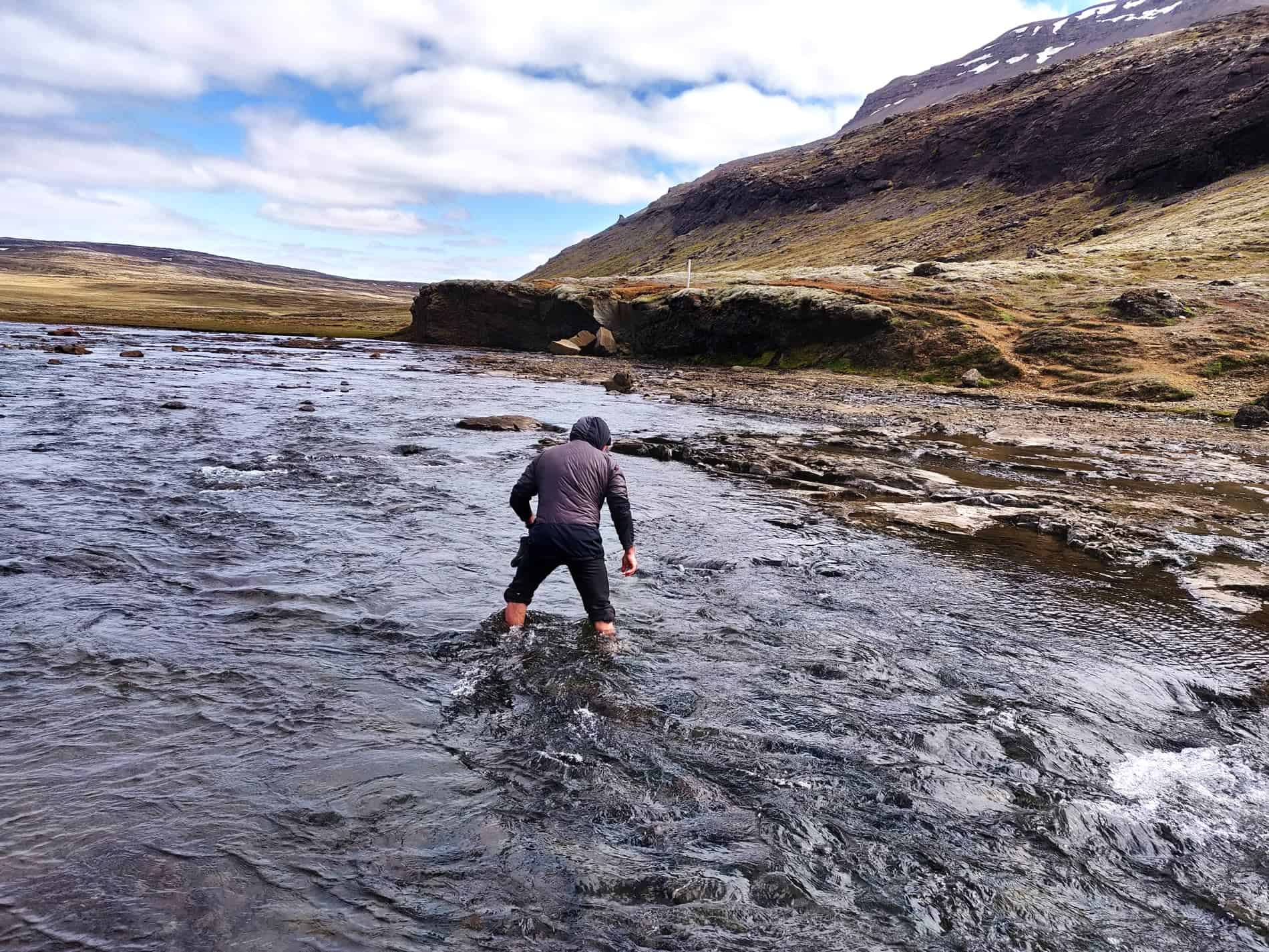 glymur-waterfall-river-crossing