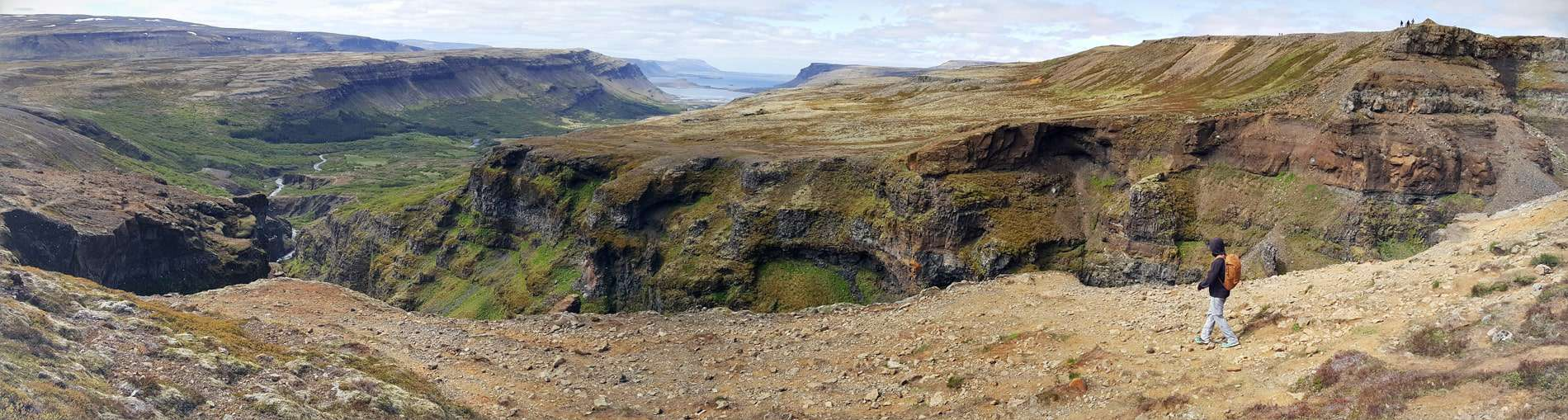 panoramic-views-from-the-glymur-waterfall