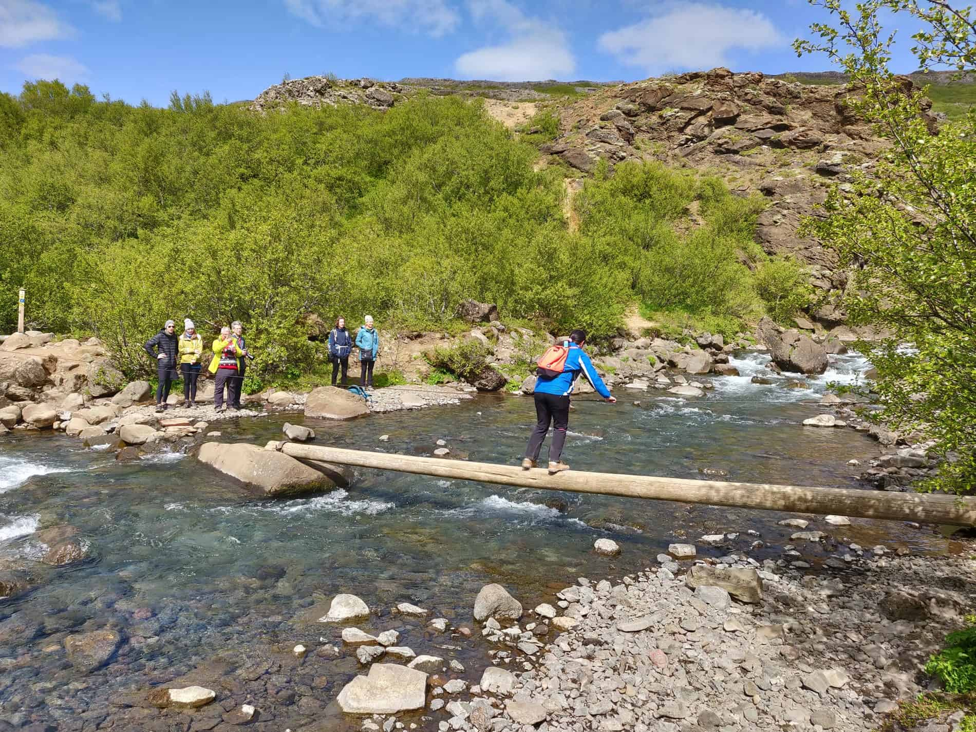 river-crossing-glymur-trail