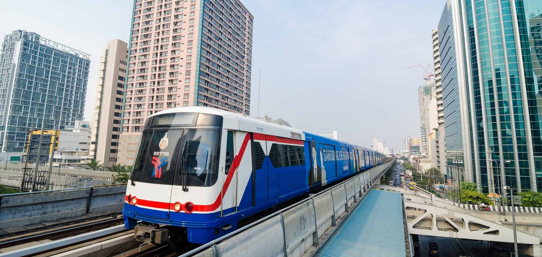 travel-with-no-money---use-public-transport-min